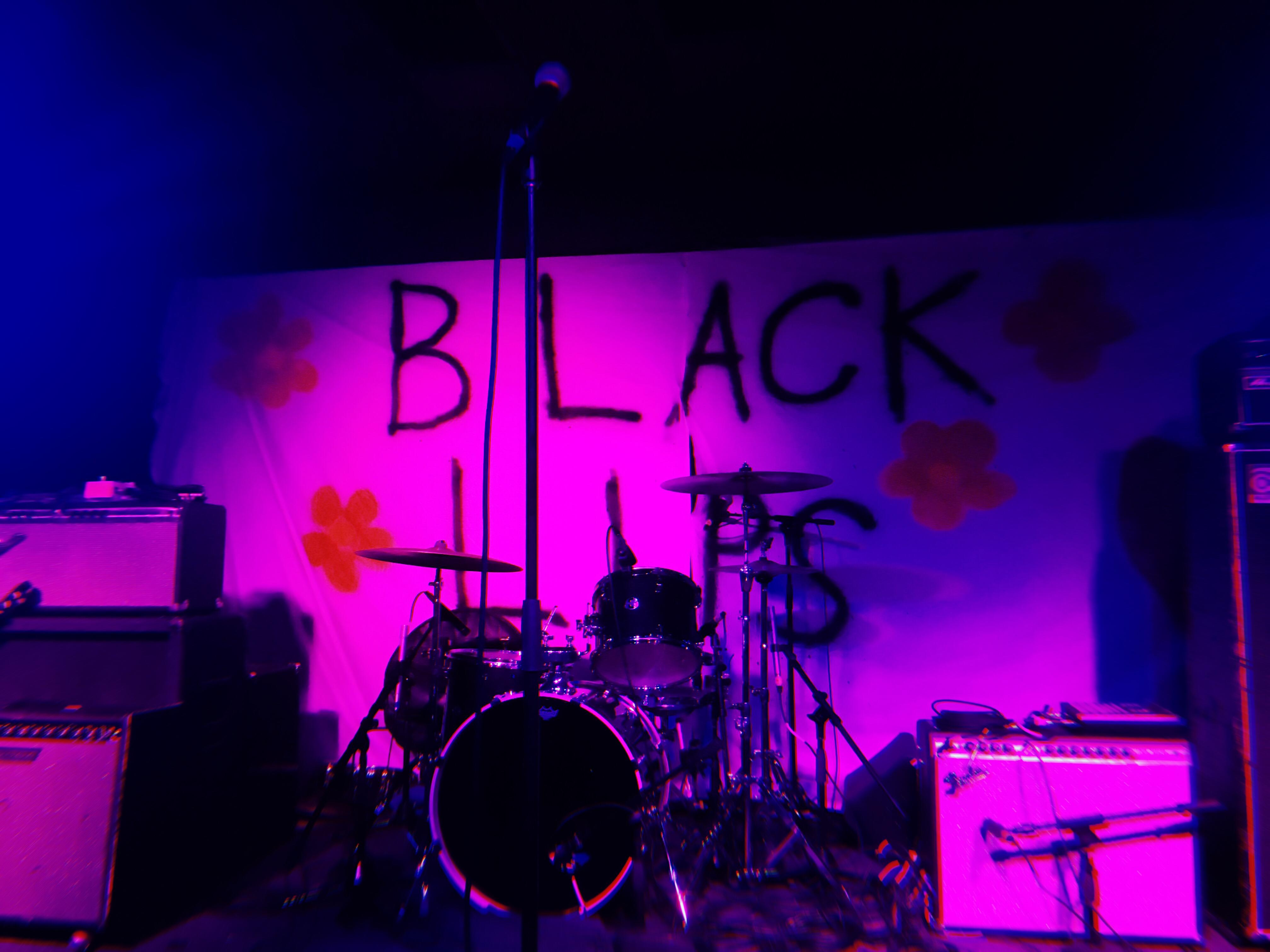Black Lips @ Marty's on Newport